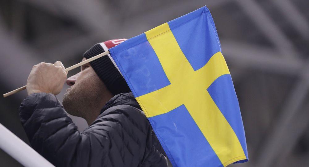 Шведского профессора высмеяли за предложение изменить «устаревший и оскорбительный» национальный гимн