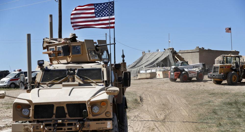 В докладе говорится, что у США нет планов по устранению незаконного военного «следа» из Сирии