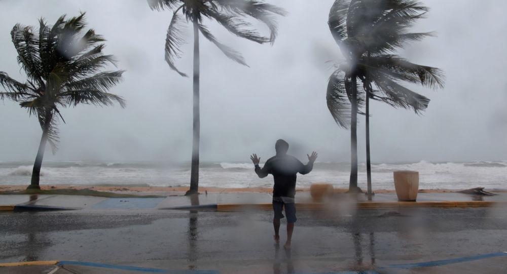 Синоптики предупреждают, что тропический шторм обрушится на Карибские острова, прежде чем отправиться во Флориду