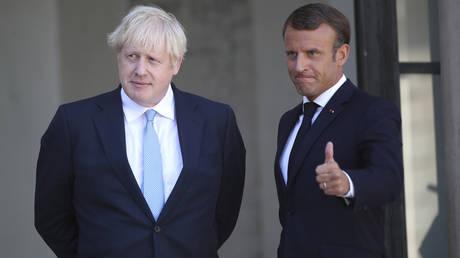 Джонсон заявил президенту Франции, что правительство Великобритании хочет « восстановить сотрудничество » после спора о ядерной субсидии, заявили в офисе Макрона