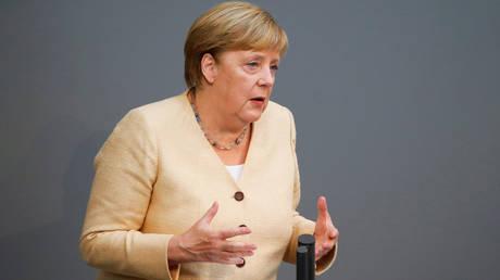 Меркель предостерегает немцев от голосования за левое правительство в своем последнем выступлении в парламенте в связи с приближением выборов