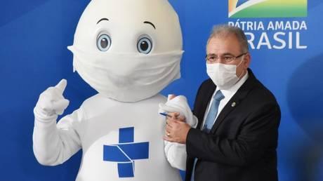 Министр здравоохранения Бразилии дал положительный результат на Covid-19 вскоре после выступления невакцинированного Болсонару на Генеральной ассамблее ООН