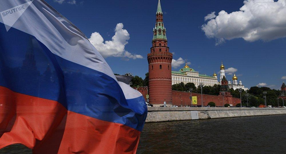 Почему ЕС и США пытаются поставить под сомнение легитимность выборов в законодательные органы России?