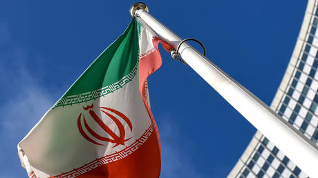 Западные правительства отказываются от решения критиковать Иран перед МАГАТЭ, несмотря на то, что Тегеран не дал « обещаний » по некоторым вопросам