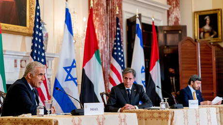 Израиль заявляет о своем «праве» нанести удар по Ирану «в любой момент», чтобы предотвратить получение им ядерного оружия, заявил министр иностранных дел Лапид после встречи с Блинкеном.
