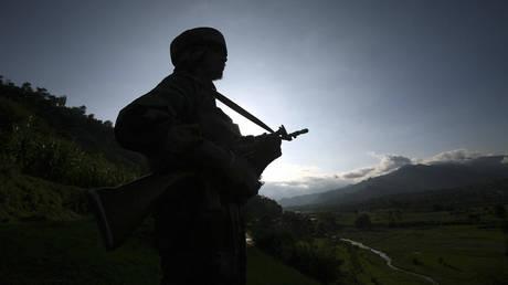 По меньшей мере 5 индийских солдат были убиты в Кашмире в результате кровавого насилия с февраля
