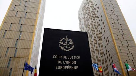 Польша должна платить 1 миллион евро В ДЕНЬ в судебном споре с ЕС