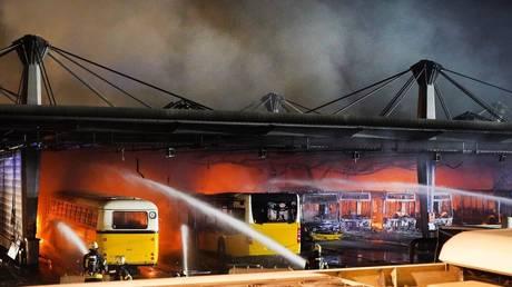 Представитель службы безопасности Германии сообщил, что риск возгорания электромобилей «полностью не устранен»
