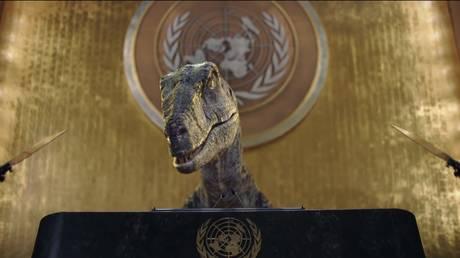 Рептилоиды у руля ООН?  Твиттер раскололся после того, как динозавр из компьютерной графики прочитал людям лекции о недостатках вымирания