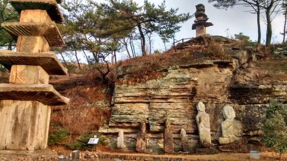Le temple des cent statues