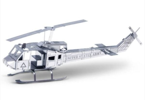 Metal Earth UH 1 helikopter