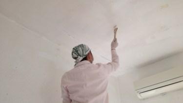 リノベOK賃貸物件で内装を変えてみよう!天井の塗装方法は?