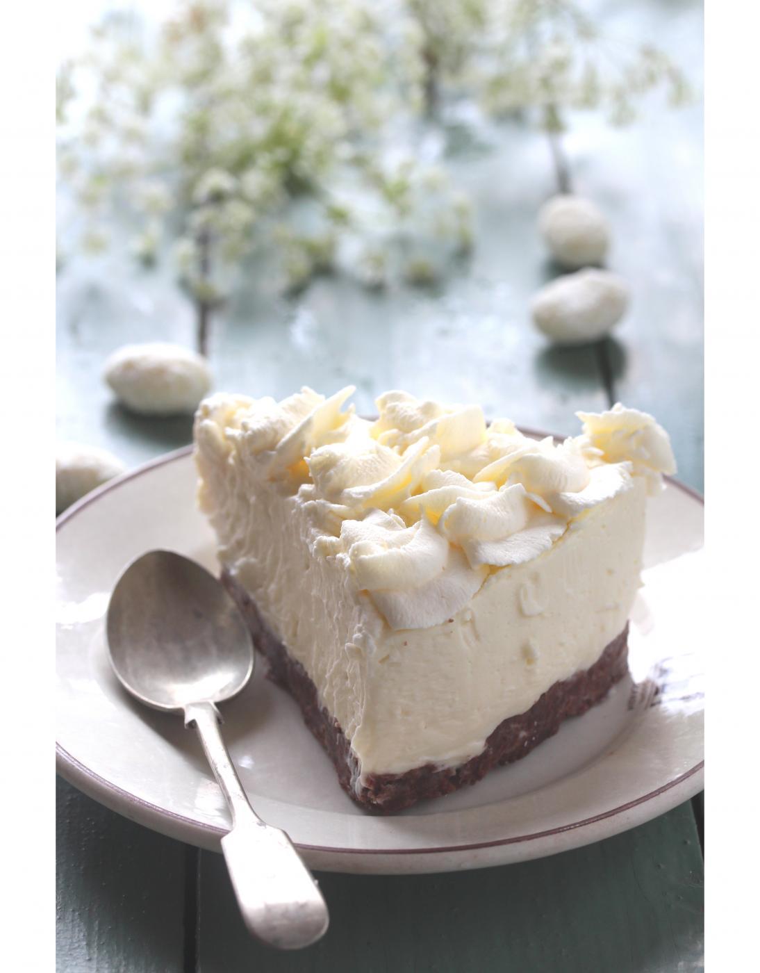 Hurmaavan valkoinen Toblerone-juustokakku