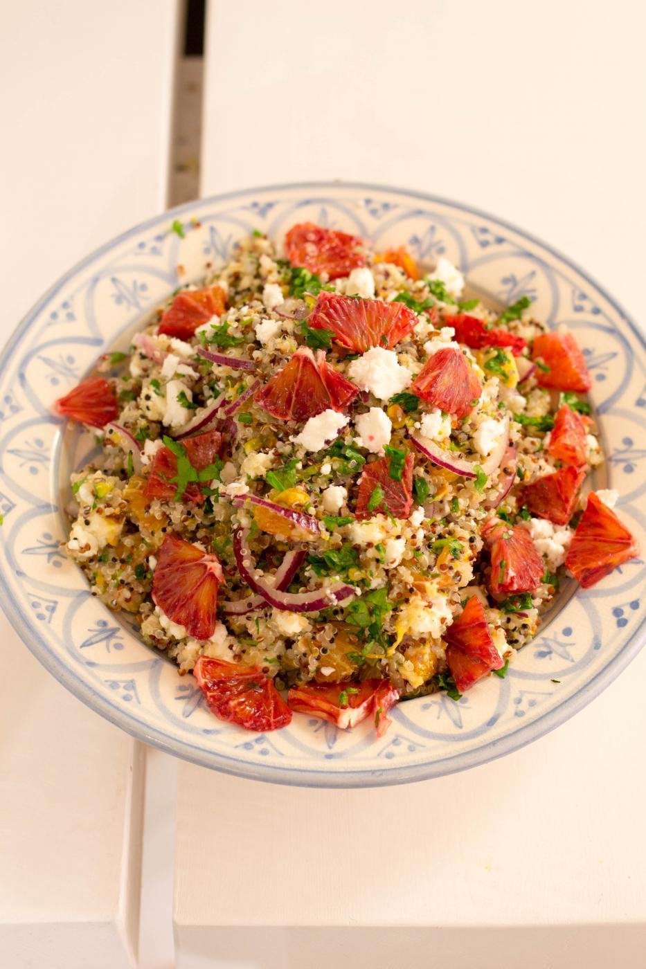 Veriappelsiini-kvinoasalaatti