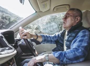 高齢ドライバー 踏み間違い