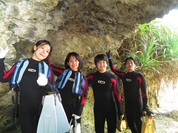 3月!沖縄の海でシュノーケリングを楽しもう!秘密の洞窟ツアー