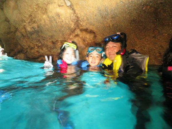夏休みだね!青の洞窟シュノーケル♪沖縄旅行の思い出に。。