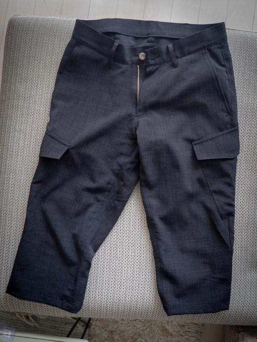 結局、早々にズボンも買った