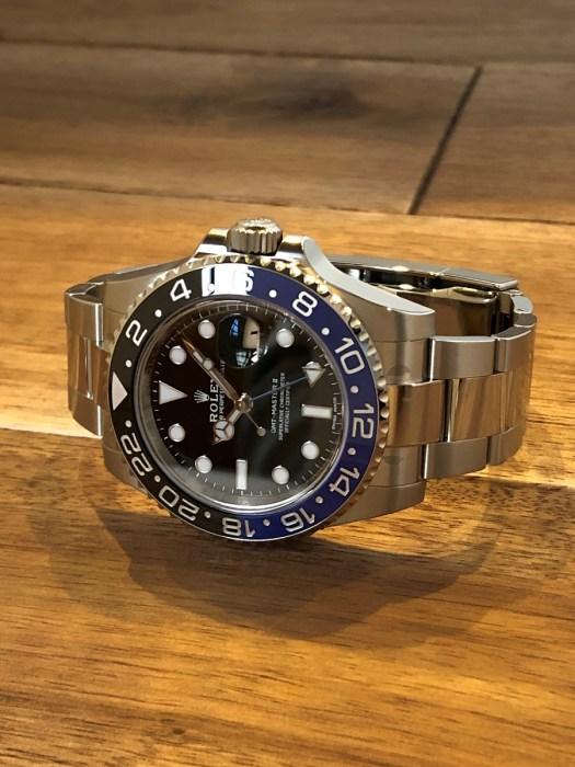 ロレックス(ROLEX)GMTマスター2 Ref.116710BLNR SS 黒文字盤 青黒ベゼル 未使用の正面から全体