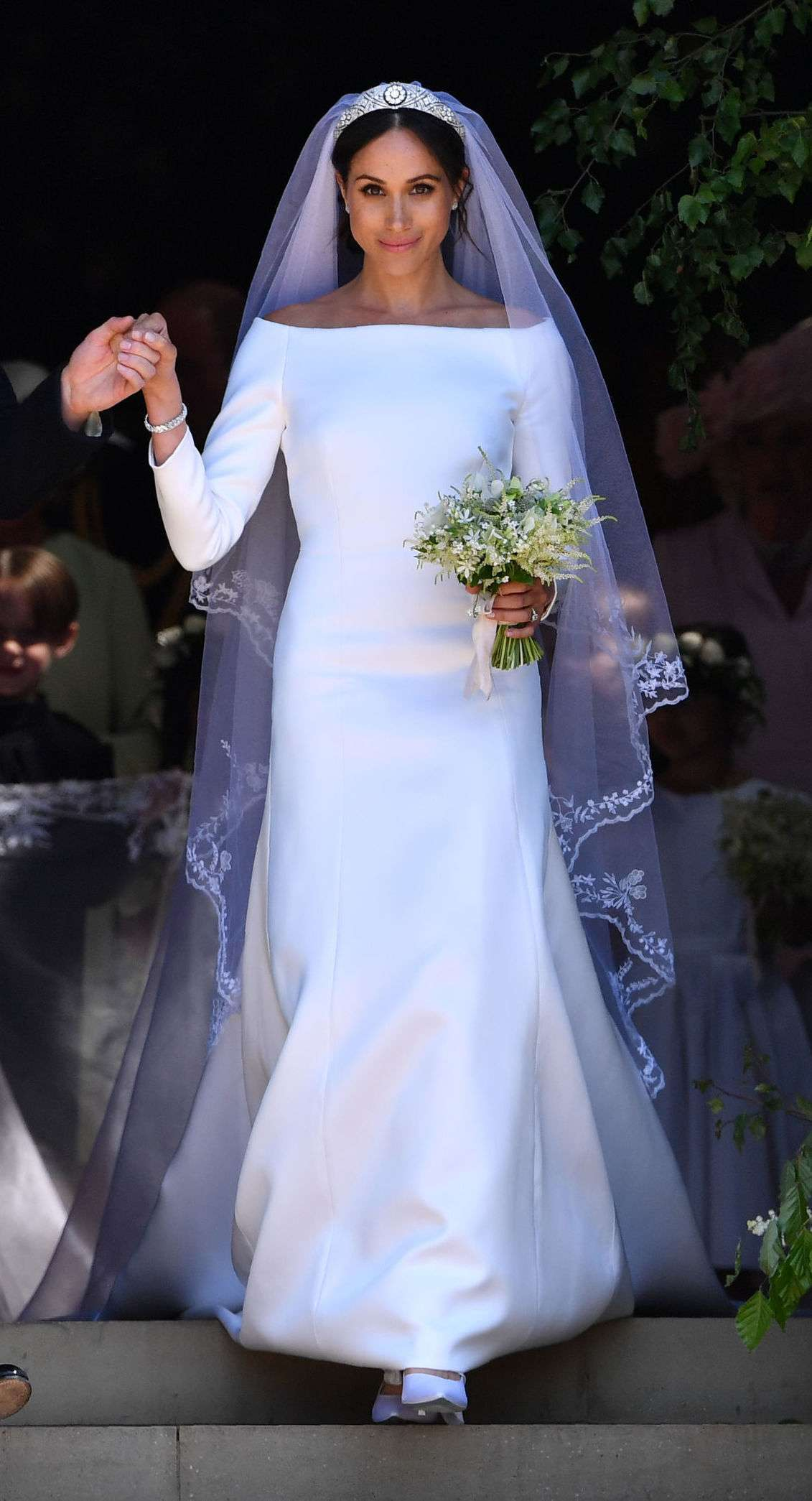 markle-wedding-dress-20035593