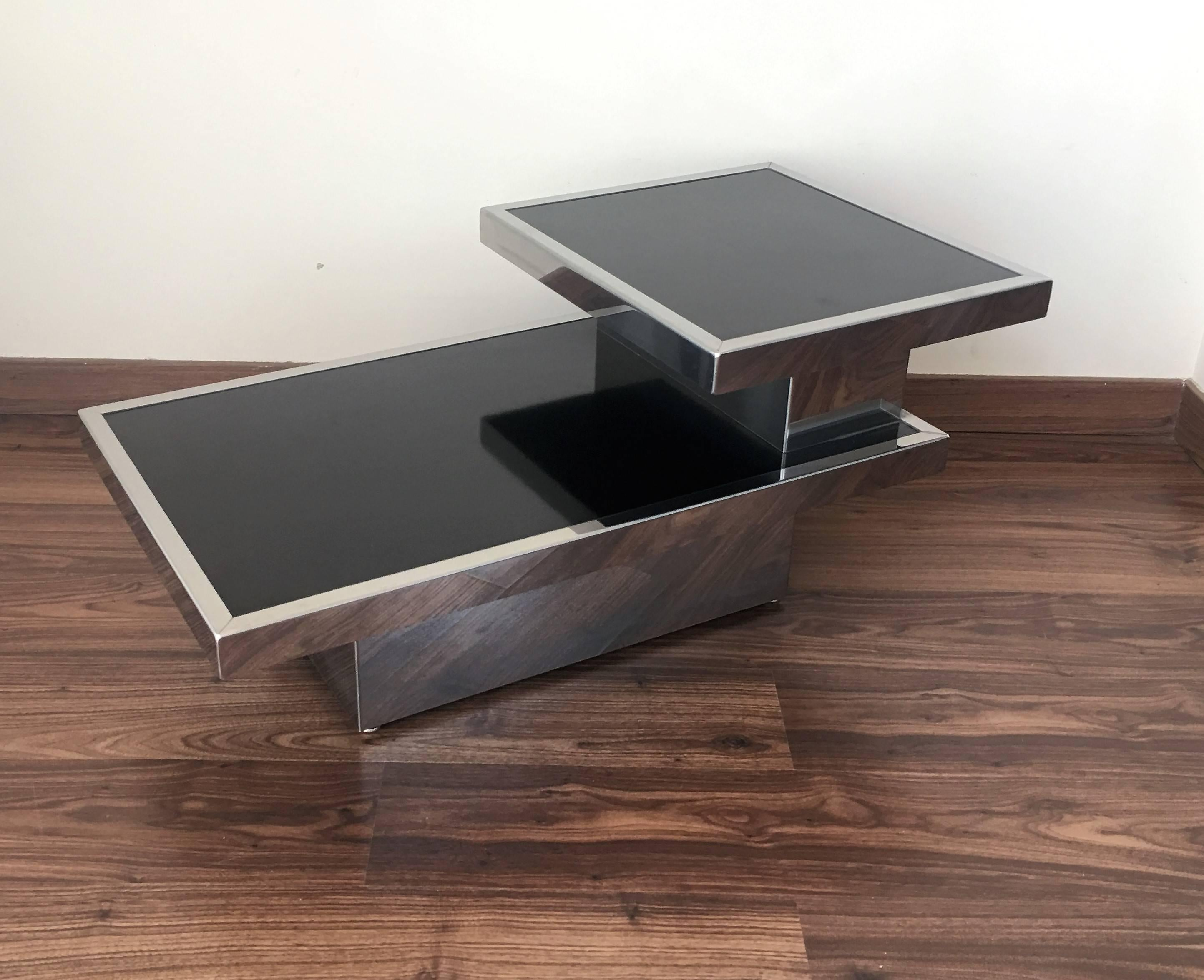 20th Century Pair Of Art Deco Nightstands In Chrome And