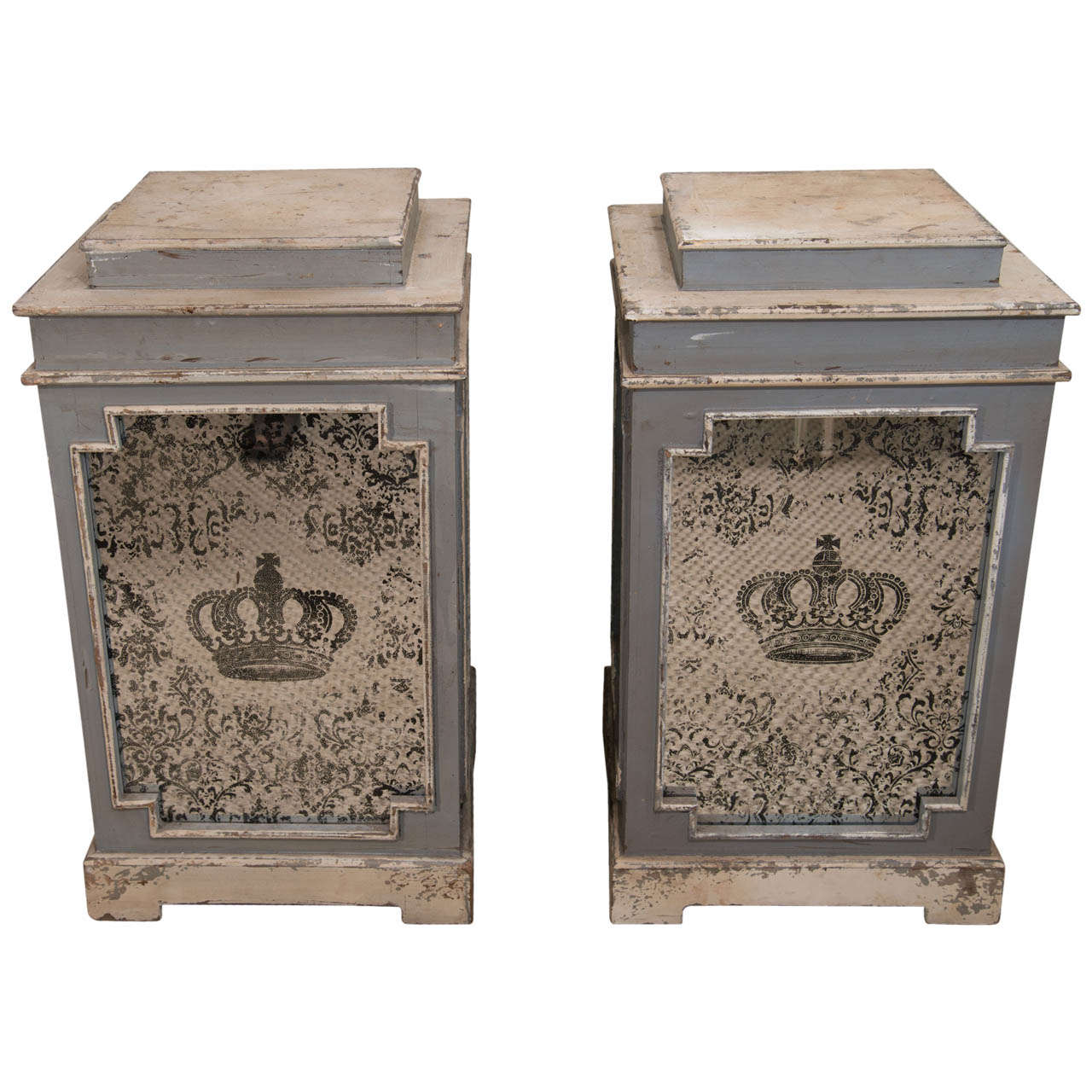 A Pair Of Painted Mirrored Pedestals At 1stdibs