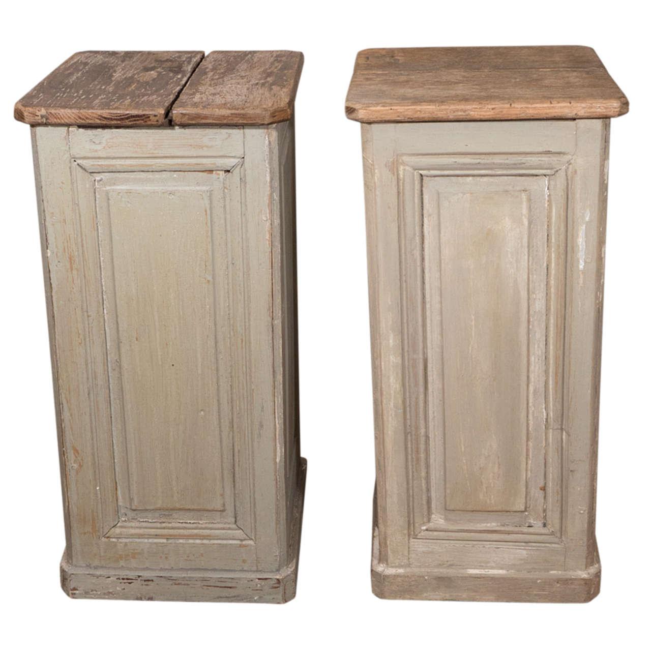 Pair Of Painted Wood Pedestals At 1stdibs