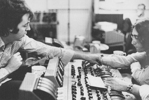 Linda McCartney Paul McCartney And John Lennon London