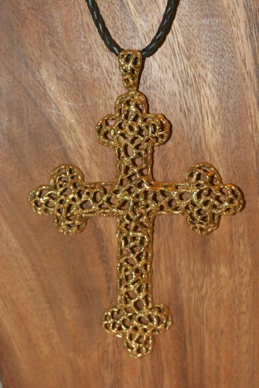 CARTIER 1970s Gold Cross Pendant At 1stdibs