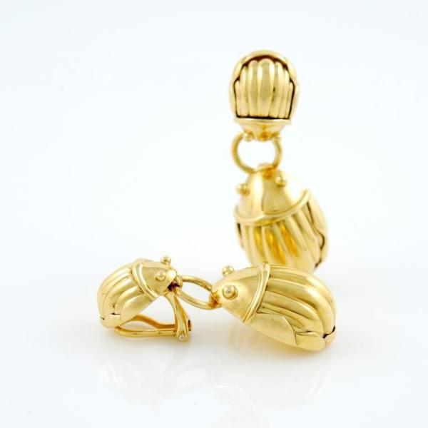 TIFFANY and Co. Yellow Gold Scarab Earrings For Sale at ...
