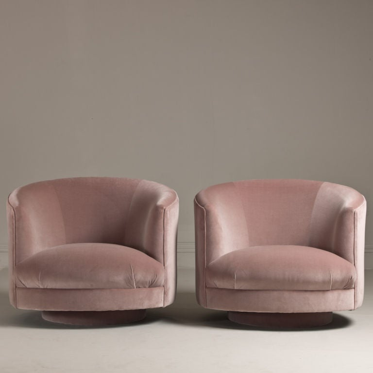 A Pair Of 1960s Swivel Tub Chairs At 1stdibs