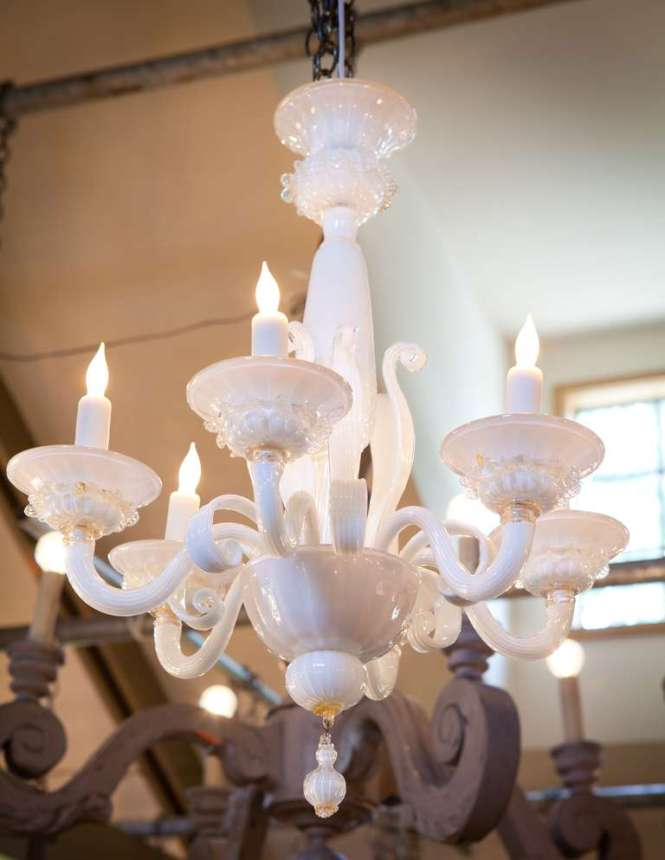 Vintage Italian Murano Glass Chandelier In Excellent Condition For Houston Tx