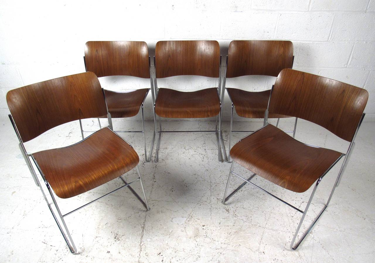 Set Of Midcentury 40 4 Stackable Chairs By David Rowland At