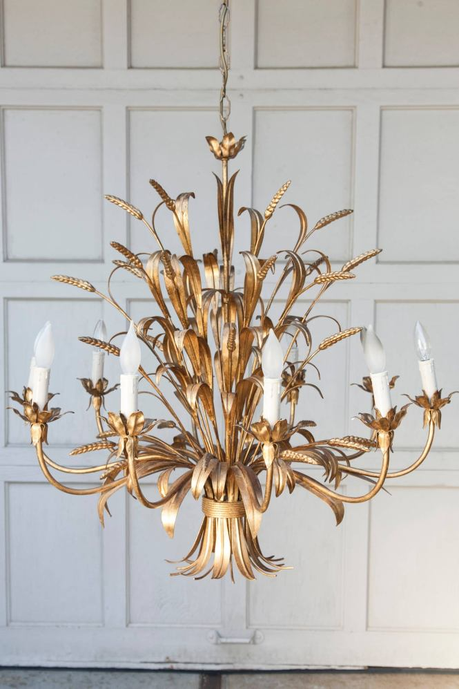 This Classic Sheath Of Wheat Design Chandelier Features A Spray Bound And Leaves With