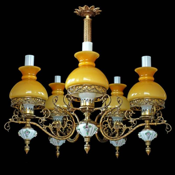 Antique French Victorian Porcelain Bronze Opaline Yellow Glass Shades Chandelier In Excellent Condition For