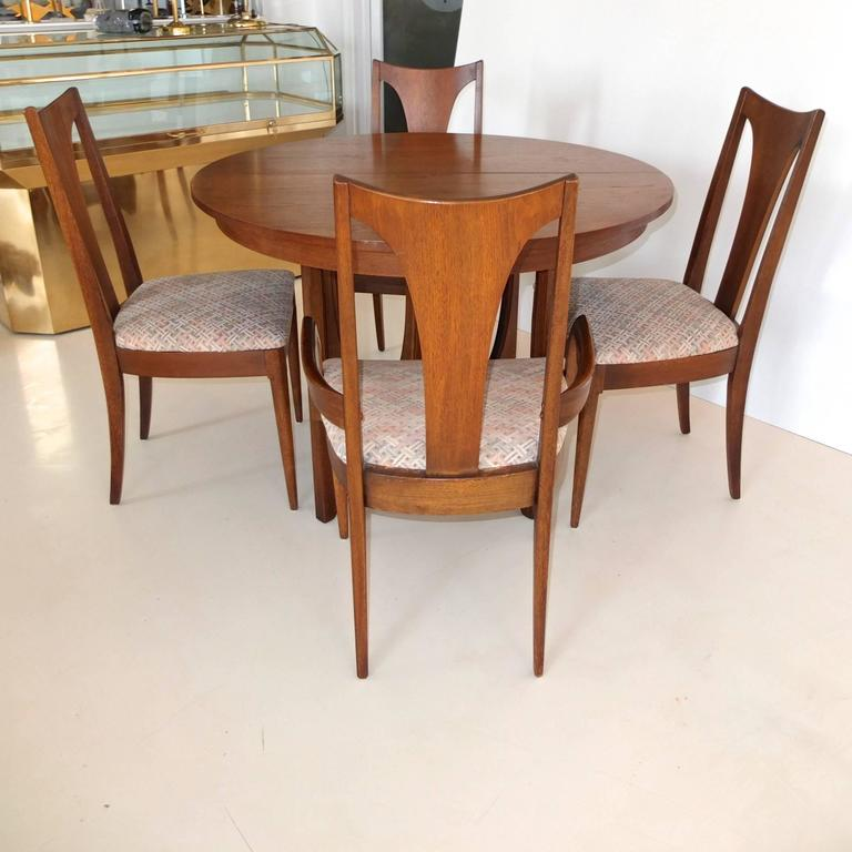 Broyhill Brasilia Walnut Dining Table And Chairs At 1stdibs