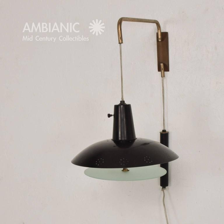 Mid-Century Modern American Wall Sconce For Sale at 1stdibs on Mid Century Modern Sconces id=93752