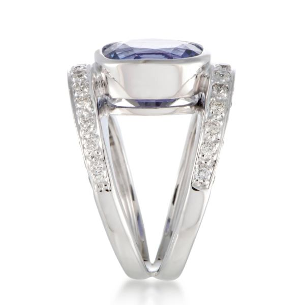 Diamond and Tanzanite White Gold Double Band Ring For Sale at 1stdibs Diamond and Tanzanite White Gold Double Band Ring In Excellent Condition  For Sale In Southhampton