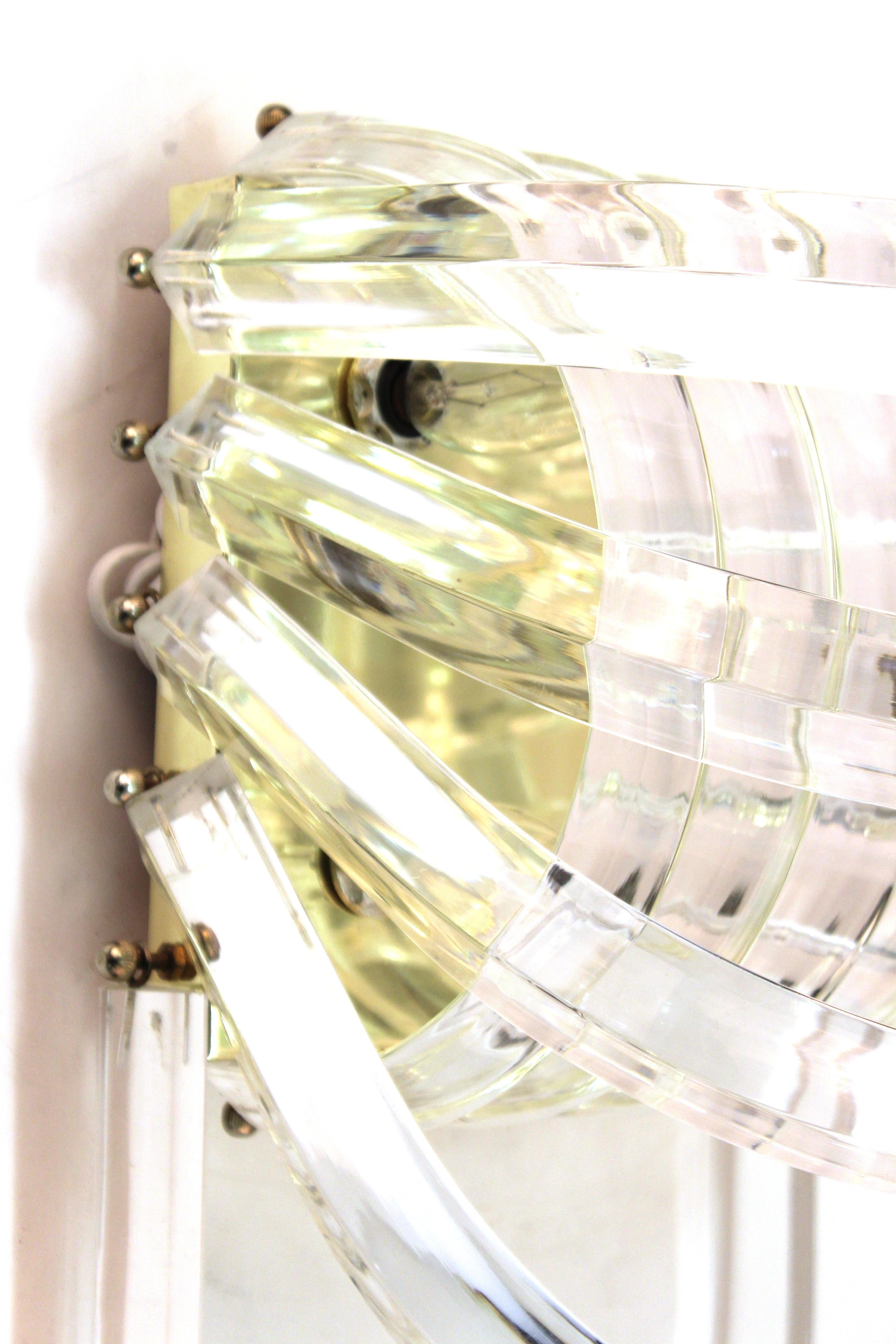 Mid-Century Modern Lucite Wall Sconce For Sale at 1stdibs on Mid Century Modern Sconces id=15161