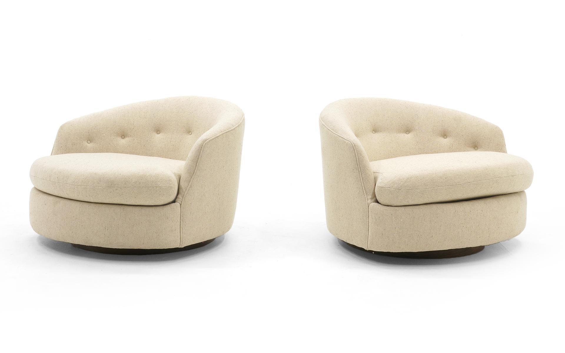 Rare Pair Of Large Round Milo Baughman Swivel Club Chairs