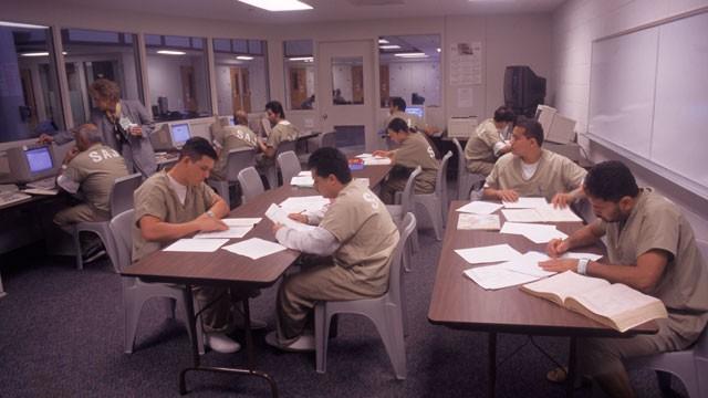 PHOTO:Inmates participate in a study program in Santa Ana, CA.