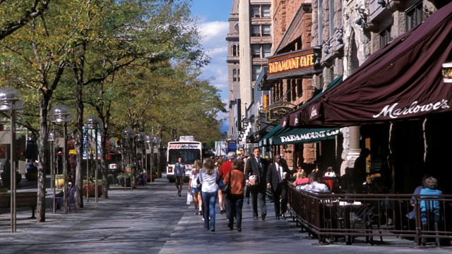 PHOTO: Denver is the most friendly city to employees of small business, according to a new ranking by CardHub.