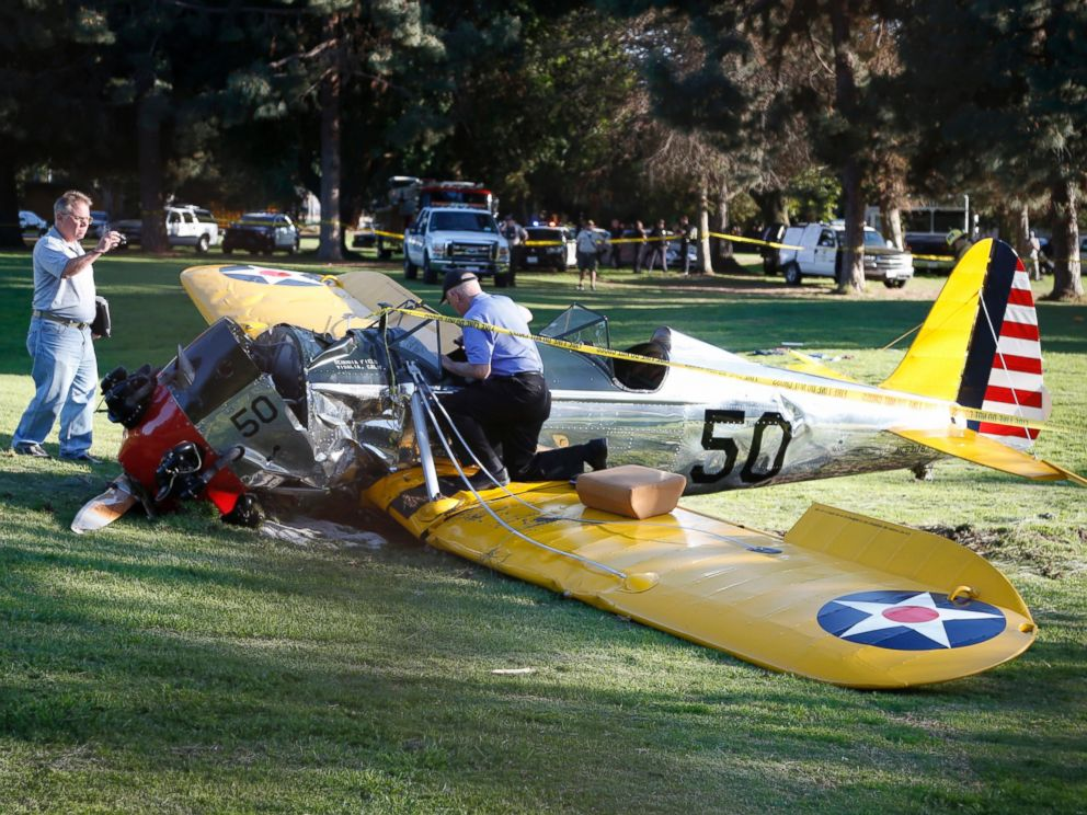 PHOTO: An airplane sits on the ground after crash landing at Penmar Golf Course in Venice, Los Angeles, March 5, 2015.