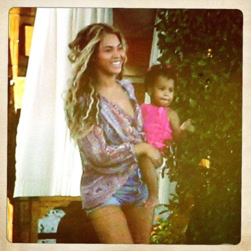 PHOTO: Beyonce and Blue Ivy are seen on the beach.