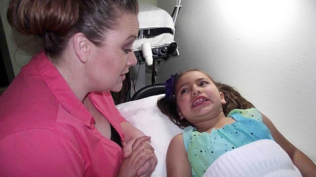 PHOTO:Mom Gives Botox to her 8-Year-Old Daughter:  How Young Is Too Young?