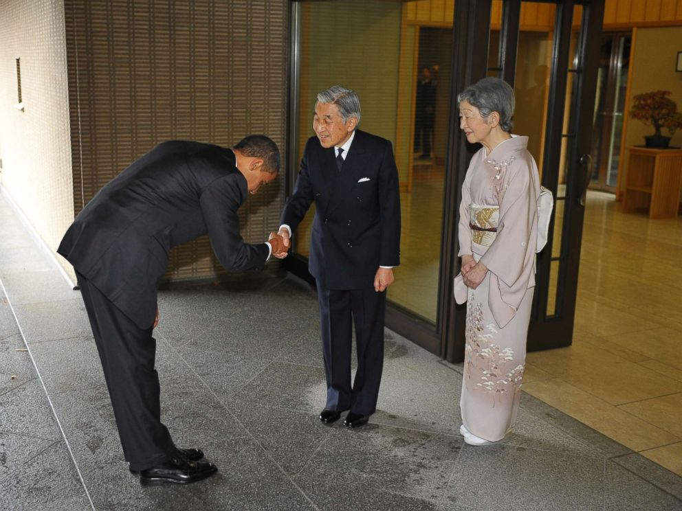 https://i1.wp.com/a.abcnews.com/images/International/barack-obama-japan-emperor-akihito-gty-jt-171105_4x3_992.jpg
