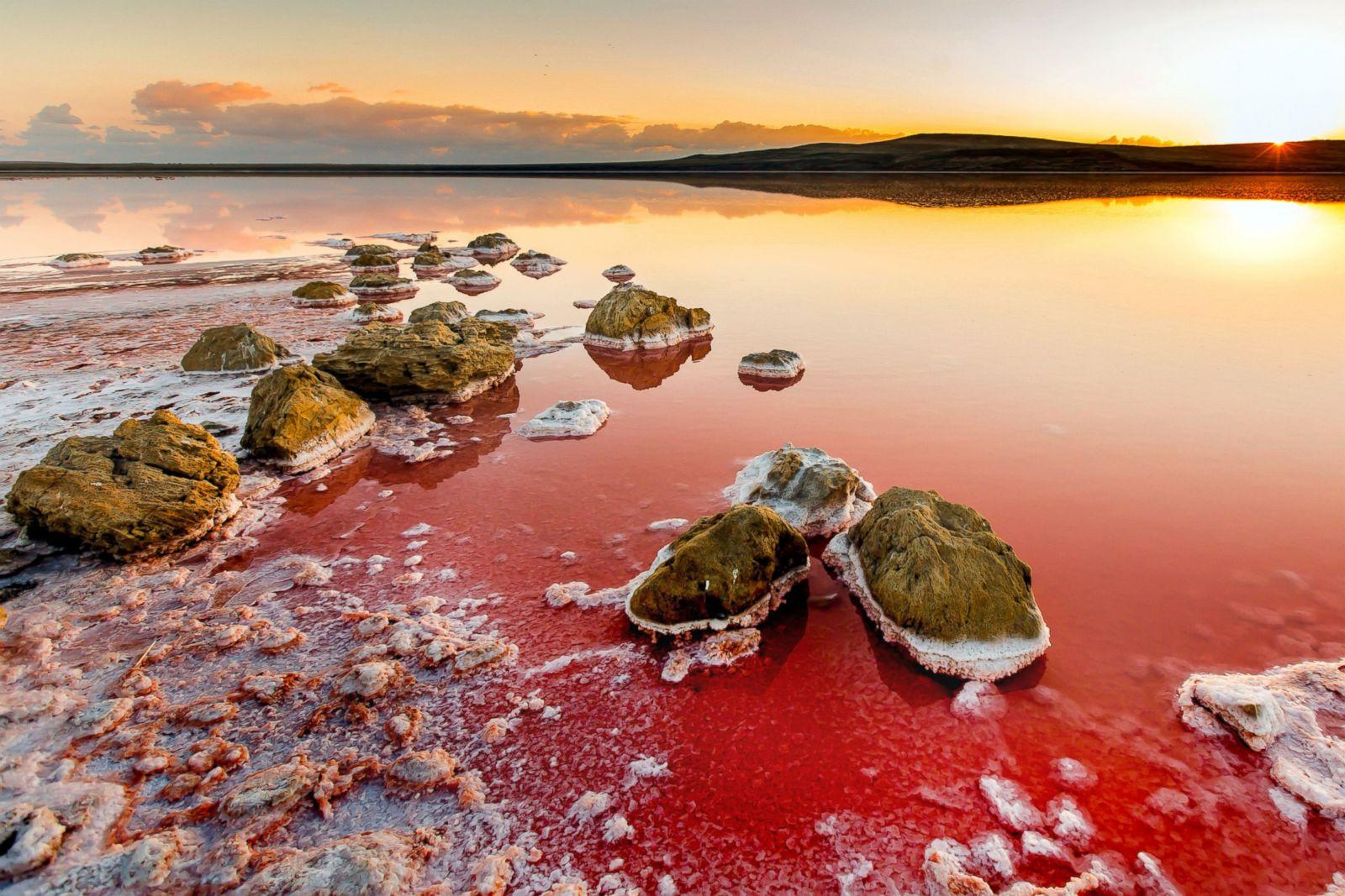 https://i1.wp.com/a.abcnews.com/images/International/cn_red_Salt_lake_Koyashskoye2_wg_150612_3x2_1600.jpg