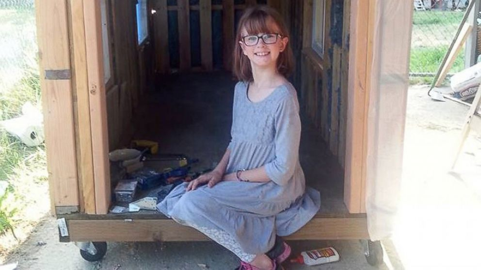 PHOTO: Hailey Fort wants to build the homeless people in her county mobile shelters.