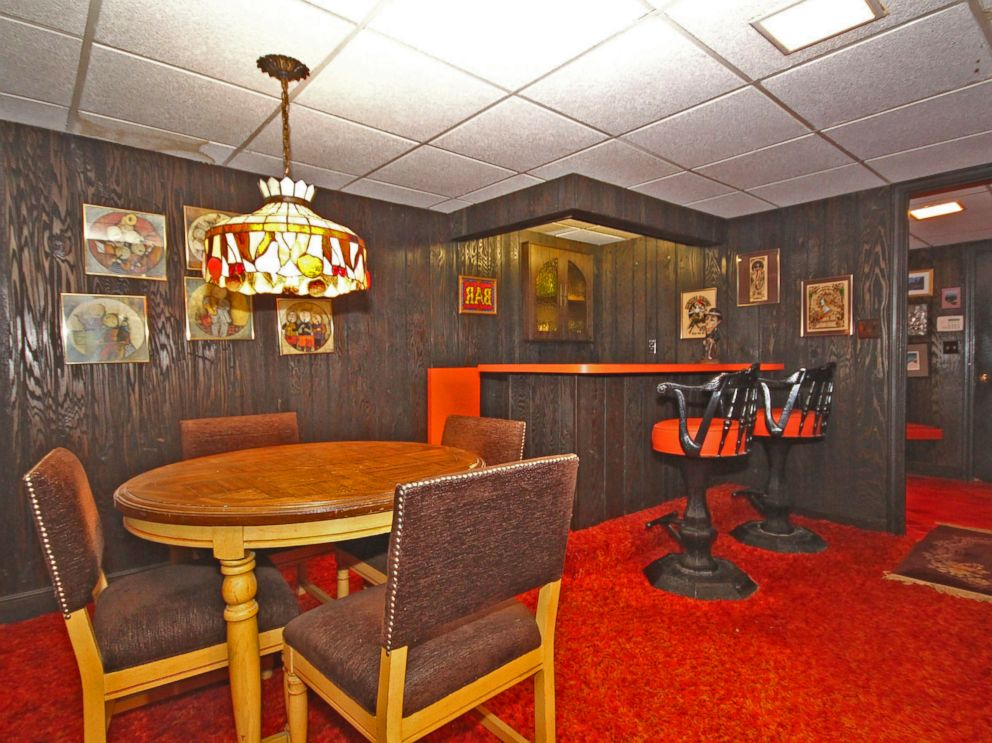 Groovy 1970s Home For Sale Includes Original Funky Decor