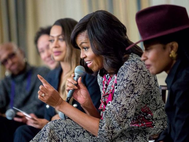 PHOTO: Michelle Obama participates in a panel discussion with students during a dance workshop in the State Dining Room of the White House, Feb. 8, 2016.